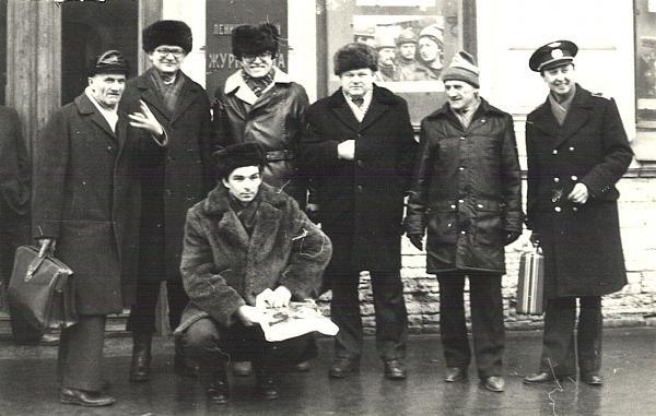 Нажмите на изображение для увеличения.  Название:1987-Leningrad-UD6BD-UT5BW-UA4HBW-RA3AR-RA1AG-UW9WW-RT5UY.jpg Просмотров:474 Размер:249.5 Кб ID:107966