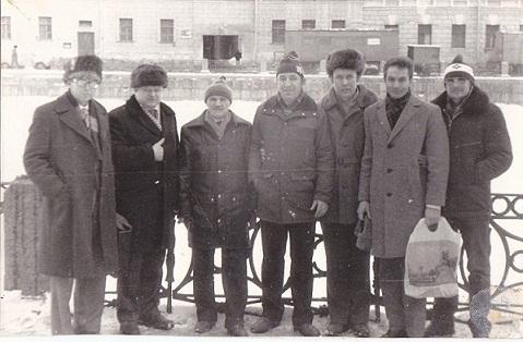 Название: 1987-Leningrad-UA3AEL-UA1CAG-UA1TBQ-UW1DB-UA1DJ-....jpg Просмотров: 884  Размер: 67.8 Кб