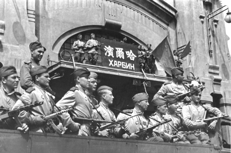 Нажмите на изображение для увеличения.  Название:Советские бойц&#10.jpg Просмотров:72 Размер:163.7 Кб ID:145211