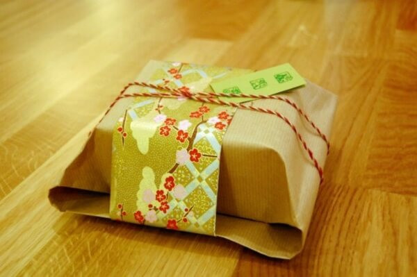 Название: gift.jpg Просмотров: 1028  Размер: 35.0 Кб