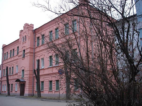 Нажмите на изображение для увеличения.  Название:Frunze_district_courthouse,_Vladimir_city.jpg Просмотров:8 Размер:137.9 Кб ID:196208