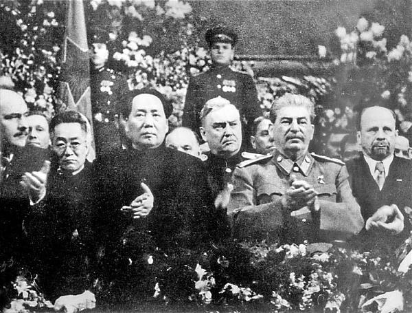 Нажмите на изображение для увеличения.  Название:Сталин и Мао Цзэдун 1949F201312261450511746216272.jpg Просмотров:29 Размер:110.2 Кб ID:218566