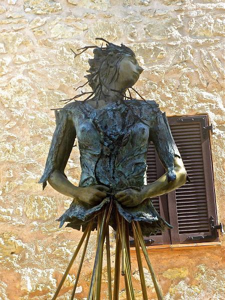 Нажмите на изображение для увеличения.  Название:statue_metal_sculpture_bronze_female_symbol-854148.jpg Просмотров:12 Размер:919.2 Кб ID:222754