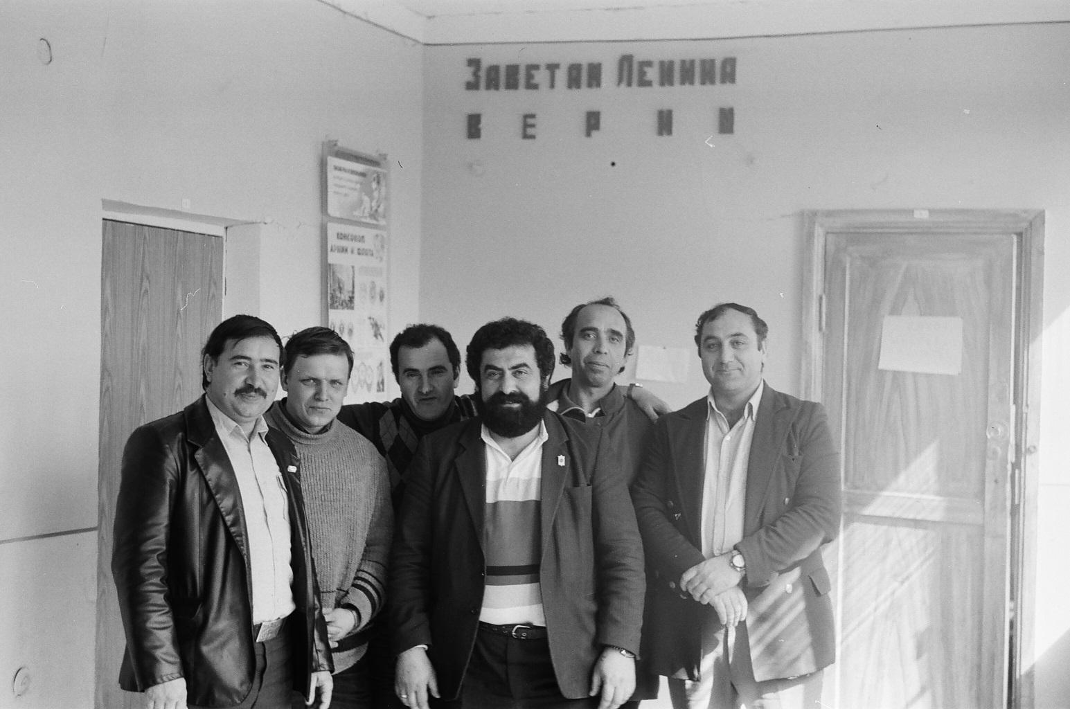 Нажмите на изображение для увеличения.  Название:UG7GWB-Ленинакан-1989.jpg Просмотров:2 Размер:447.5 Кб ID:228446