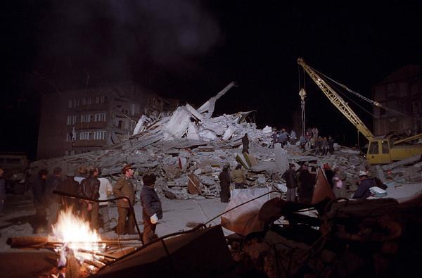 Нажмите на изображение для увеличения.  Название:Ленинакан-1988_ТАСС.jpg Просмотров:0 Размер:174.8 Кб ID:231009