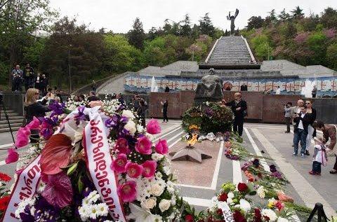 Название: Тбилиси, парк Ваке, 9 мая.jpg Просмотров: 1128  Размер: 57.4 Кб