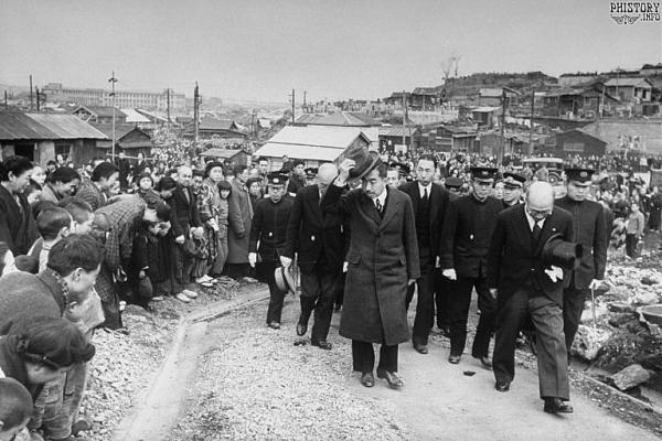 Нажмите на изображение для увеличения.  Название:Япония во время америкаской оккупации.jpg Просмотров:2 Размер:86.7 Кб ID:237981