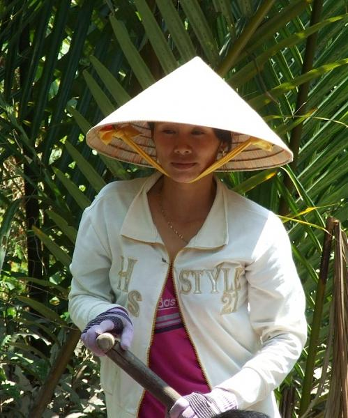 Нажмите на изображение для увеличения.  Название:Девушка с веслом. Дельта Меконга.jpg Просмотров:0 Размер:127.1 Кб ID:252512