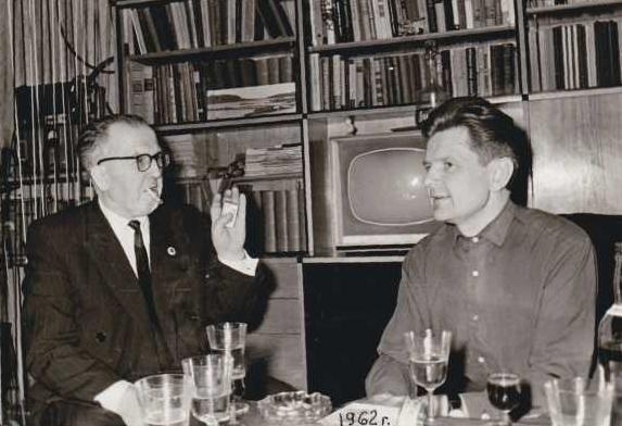 Название: UQ2AN Bruno Greiža ir UP2ABA Algimantas, 1962 (iš YL-RS-01 Aleks Vilks albumo).jpg Просмотров: 445  Размер: 169.5 Кб