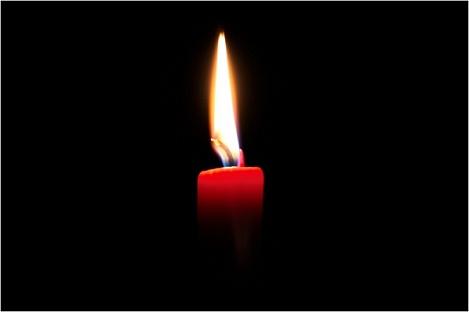 Название: Траурная картинка - Горящая свеча на черном фоне.jpg Просмотров: 378  Размер: 11.6 Кб