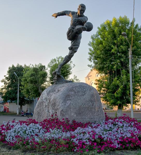 Нажмите на изображение для увеличения.  Название:Памятник Боброву.jpg Просмотров:3 Размер:323.1 Кб ID:312246