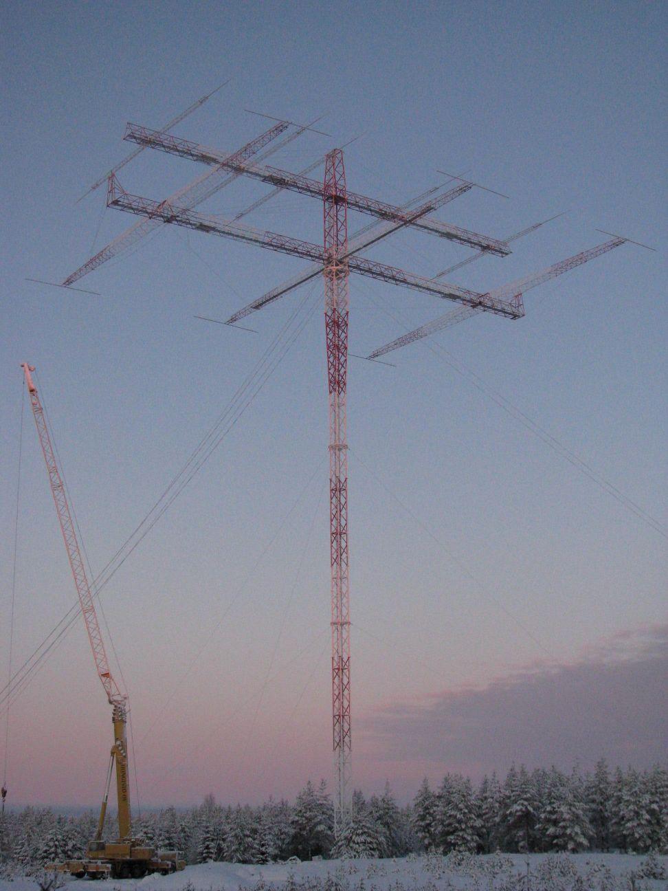 Нажмите на изображение для увеличения.  Название:OH8X Antena Monster (160 M 3 el. Yagi).JPG Просмотров:795 Размер:134.7 Кб ID:41698