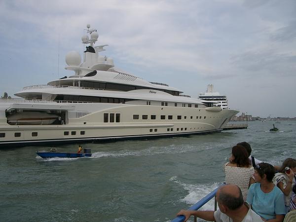 Нажмите на изображение для увеличения.  Название:Яхта Абрамовича_Венеция.JPG Просмотров:300 Размер:1.74 Мб ID:90804