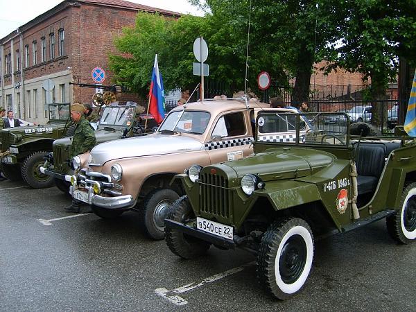 Нажмите на изображение для увеличения.  Название:retro-avtomobili-2013-07-02-v-novosibirske.jpg Просмотров:702 Размер:310.6 Кб ID:99873