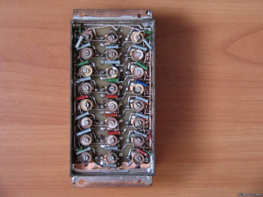 ...полосовой фильтр (А1) RA3AO по трёхконтурной схеме из книжки Рэда на кольцах 20 Вч 20 мм диаметром.