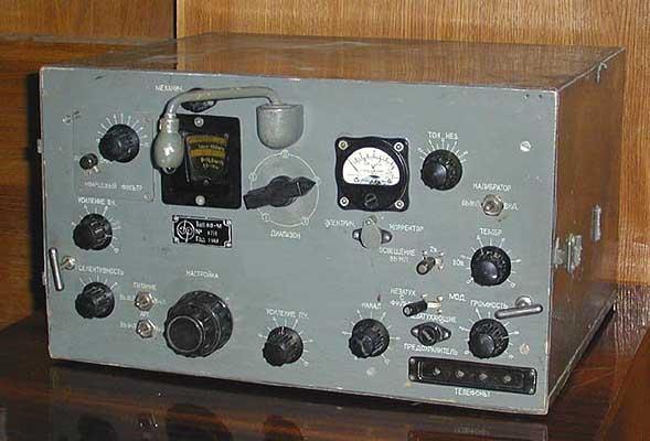 КВ-М (Даль-М) - коротковолновый настольный ламповый радиоприемник.  Честно трудился на фронтах Великой Отечественной...